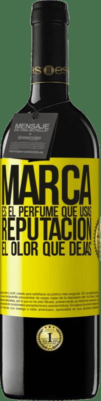 24,95 € Envío gratis | Vino Tinto Edición RED Crianza 6 Meses Marca es el perfume que usas. Reputación, el olor que dejas Etiqueta Amarilla. Etiqueta personalizable Crianza en barrica de roble 6 Meses Cosecha 2018 Tempranillo