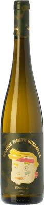 9,95 € Free Shipping | White wine Castillo de Maetierra Spanish White Guerrilla I.G.P. Vino de la Tierra Valles de Sadacia The Rioja Spain Riesling Bottle 75 cl