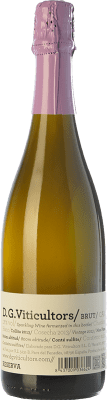 13,95 € Free Shipping | White sparkling DG Brut Reserva D.O. Penedès Catalonia Spain Chardonnay Bottle 75 cl. | Thousands of wine lovers trust us to get the best price guarantee, free shipping always and hassle-free shopping and returns.
