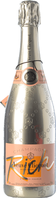 64,95 € Free Shipping   Rosé sparkling Veuve Clicquot Rich Rosé A.O.C. Champagne Champagne France Pinot Black, Chardonnay, Pinot Meunier Bottle 75 cl   Thousands of wine lovers trust us to get the best price guarantee, free shipping always and hassle-free shopping and returns.